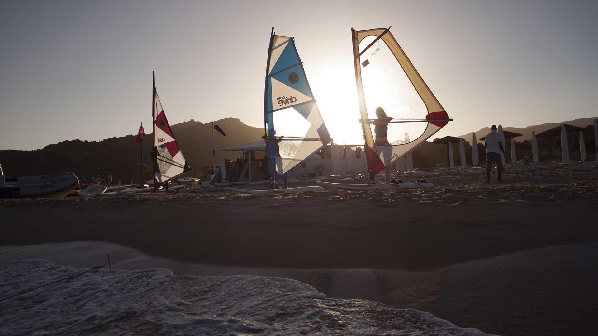 Foto-Windsurf-tramonto-1920x1080